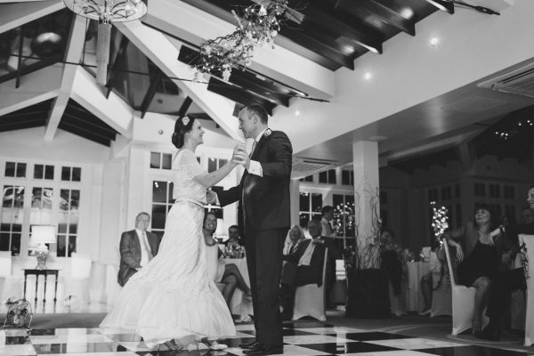 Cambridgeshire weddings bride and groom first dance black & white